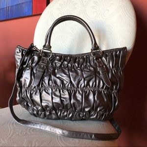 Handbags - NWOT pyrite / silver wrinkled faux leather satchel
